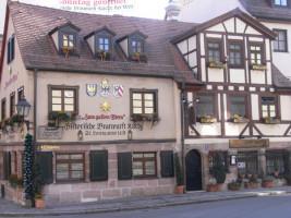 Nürnberger Bratwurstküche (Bildnachweis: Wilfried Steinacker / www.pixelio.de)