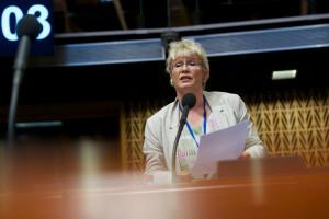 Rede Gabriela Heinrich vor der Parlamentarischen Versammlung